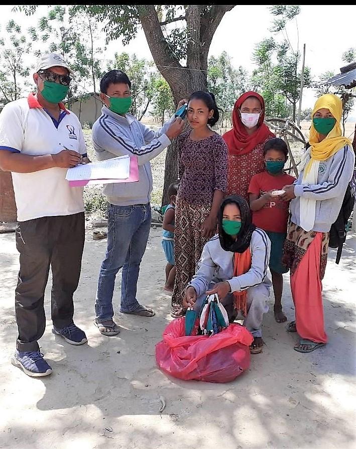 कञ्चन सा.वन उपभोक्ता समुह तथा जाई ग्रमिण विद्युत सहकारी संस्थासे मास्क औ साबुन बाँटोगओ