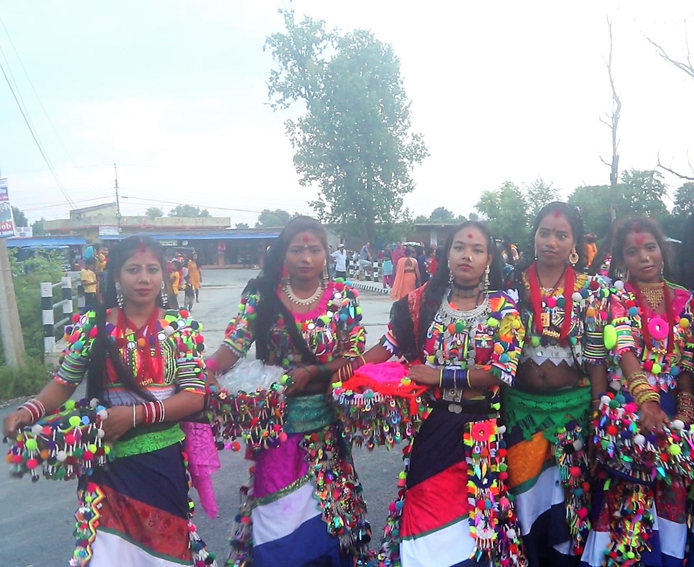 रानाथारू समुदाय भब्य रूपमे मनाइ तिज तिउहार , भिडियाे सहित