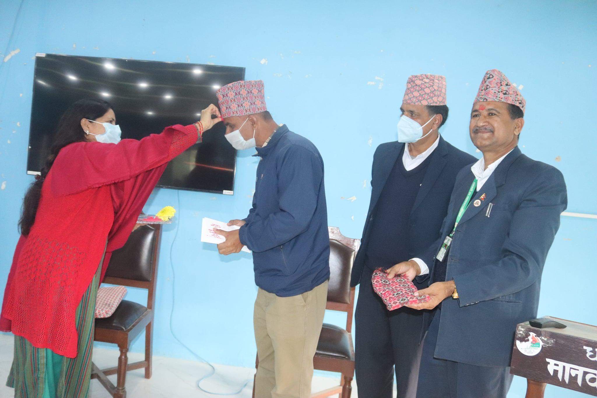 धनगढीका शिक्षा यूवा तथा खेलकुद महाशाखा प्रमुख कोईरालाको बिदाई