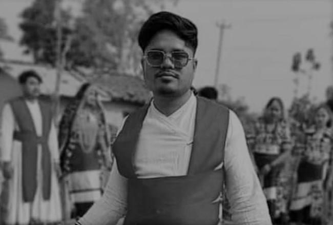 माेडेल राम महेश राना  अब , हमर बिच नरहे