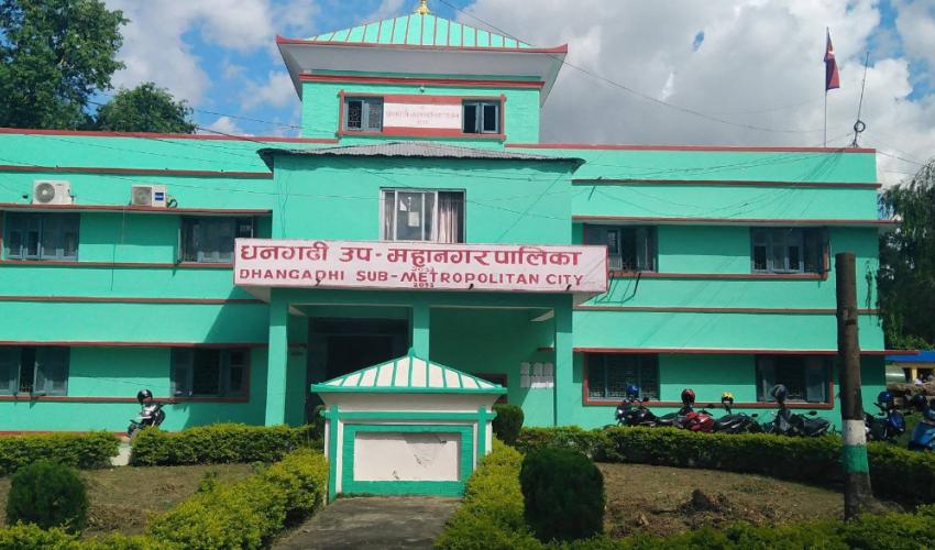 धनगढीमा कक्षा १-९ को बार्षिक मुल्याङ्कन विद्यालयको आन्तरिक परीक्षाका आधारमा